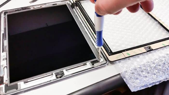 ipad-servis-olomouc-oprava-tabletu-praskle-sklo-praskly-displej