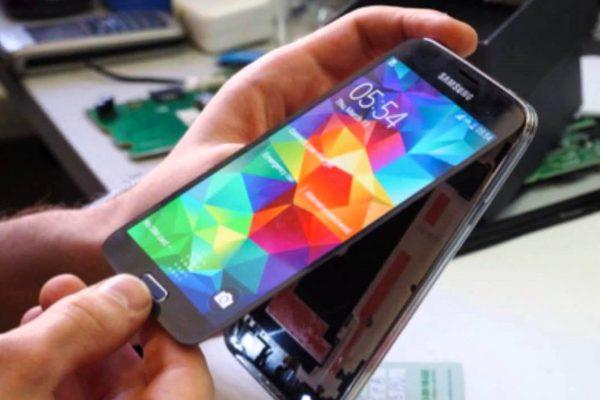 iphone-servis-samsung-servis-huawei-servis-vymena-displeje-oprava-displeje-praskle-sklo