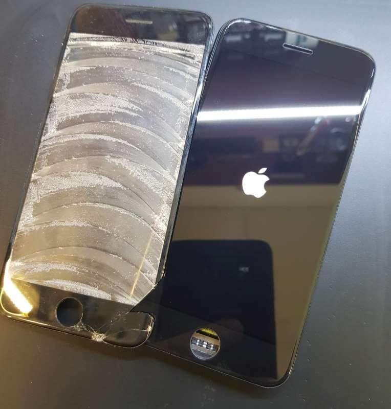 iphone-7-oprava-praskleho-skla-displeje-olomouc-1